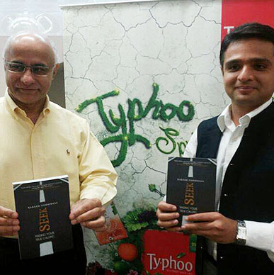 Typhoo seeks and finds good company; eminent entrepreneur and author Subroto Bagchi and Rakesh Godhwani, Head IIM B Alumni Association; Just loving it - Oxford Bookstore Bangalore