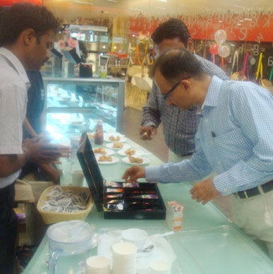 Typhoo loves the attention from MD and CEO of Tata Global Beverages, Harish Bhatt - Oxford Bookstore, Bangalore